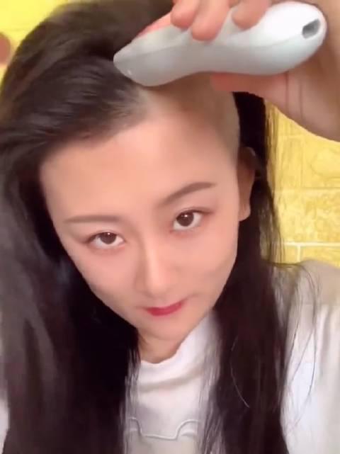 如果你有这么长的头发,你会舍得理光头吗?