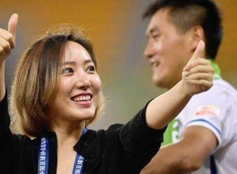 中国男足最美女老板,择偶要求肌肉型男,酷爱健身身材太棒了