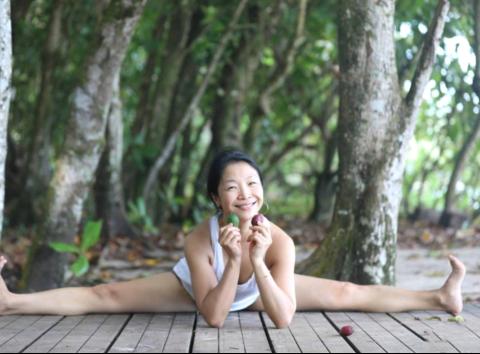 外交官夫人陈蕙,中国孕期瑜伽第一人,琴棋书画样样通的才女