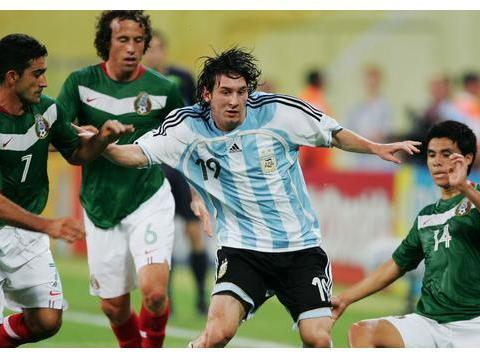梅西选择西班牙早已加冕球王?2005年不选阿根廷,除非他彻底晕了