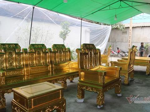 布沙发皮沙发都弱爆了!越南土豪花11亿订制金沙发