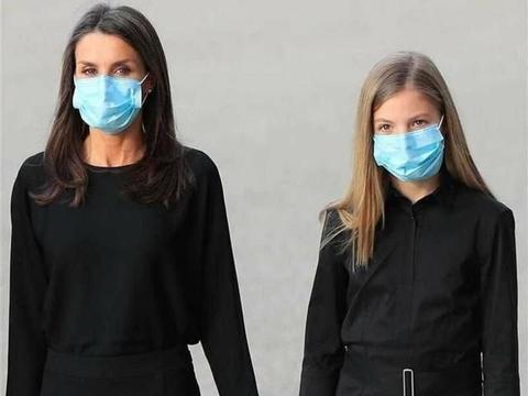 """久违""""姐妹装""""又出现了,西班牙王后俩女儿同穿黑裙,真端庄优雅"""