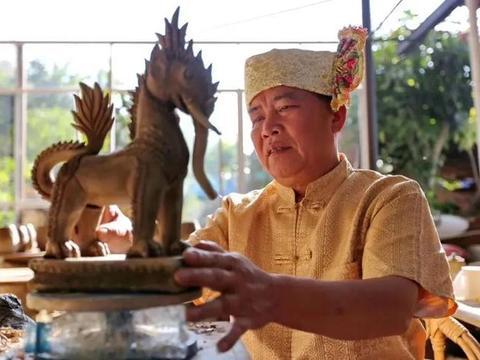 时代记忆:穿越千年的时光——傣族慢轮制陶技艺非遗传承人岩罕滇
