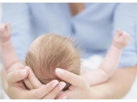 胎宝长头发的第一个月,孕妈做好一件事,能从娘胎里改善宝宝发质