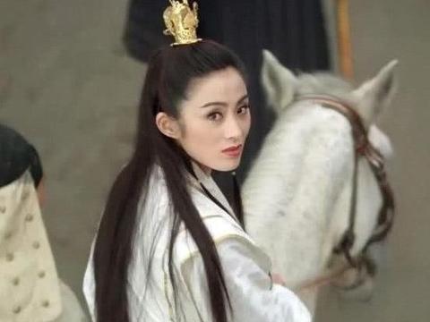 20多年前,向华强在京城夜总会上被人当众扇巴掌,那人怎样了?