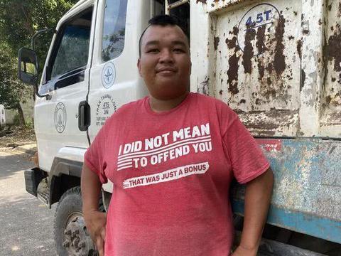 越南男子5年前与朋友一起中164万大奖,如今钱都没了只能继续打工