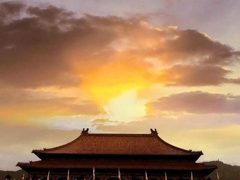 """我国一处""""山寨故宫"""",为修建耗资8亿,炸掉8座山却被评5A景点"""