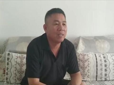 山东一环卫工自曝,曾经是优秀教师,被人顶替教师职位长达26年