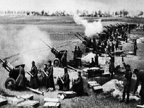 二战时期是苏军的炮兵厉害还是美军的炮兵厉害?