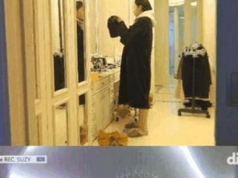 裴秀智豪宅衣服随便挂在走廊里,连衣柜也放不下了