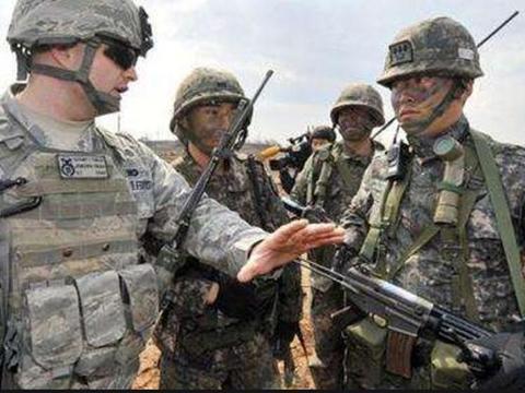 驻韩美军不戴口罩大闹釜山,市民愤怒谴责