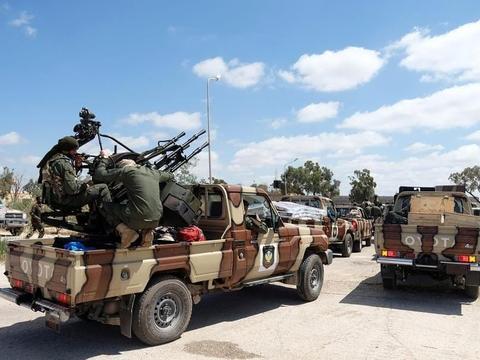 埃尔多安一意孤行,断然拒绝利比亚停火谈判,土军防空导弹被炸翻
