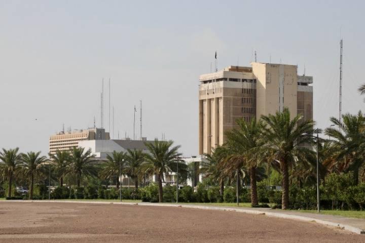 驻伊拉克美军突然开火,巴格达街头死伤一片,白宫:纯属武器试验