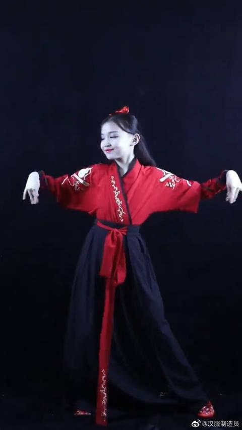 宋小睿穿汉服跳《琵琶行》,小小年纪如此优秀,以后不知会便宜谁