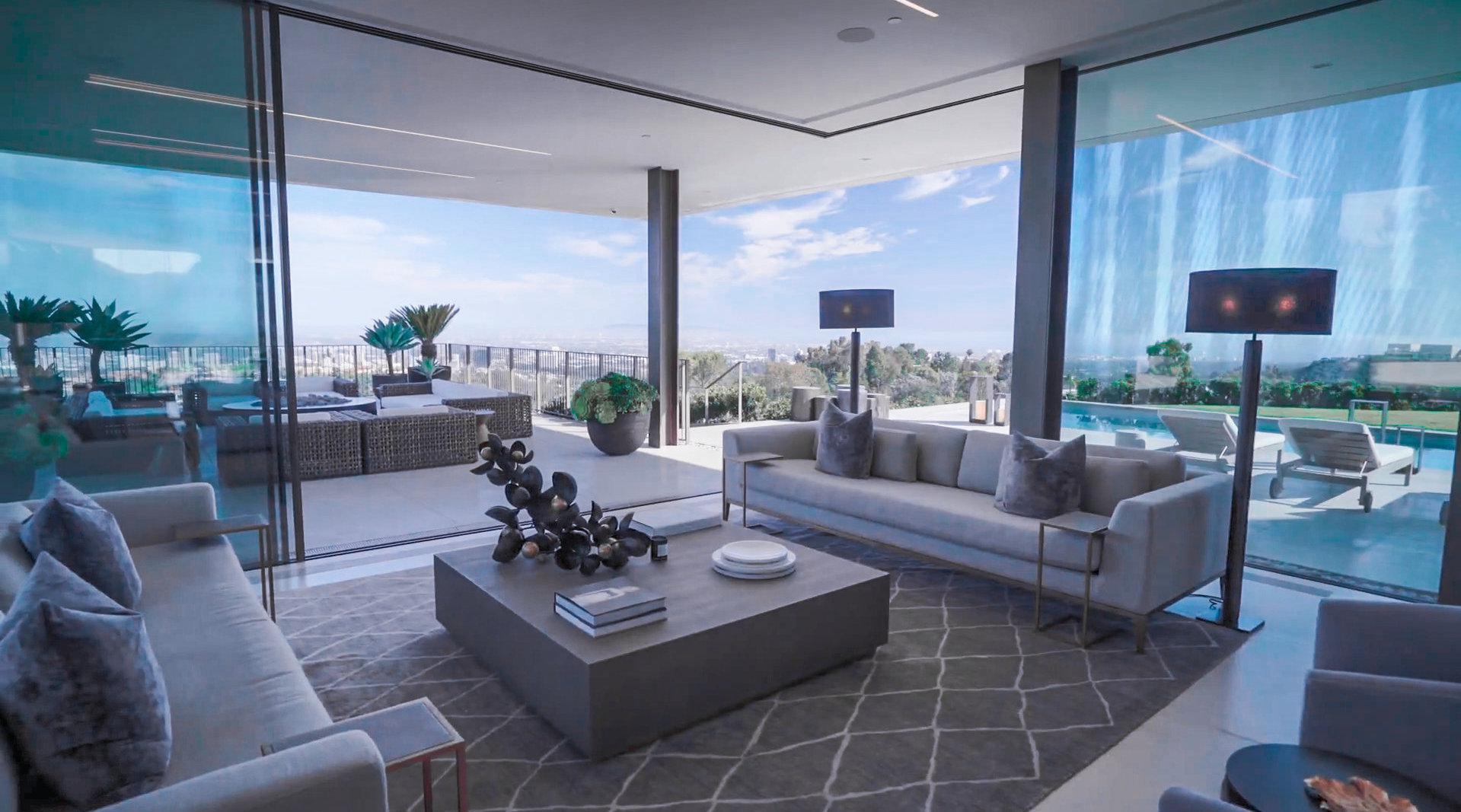 豪宅设计系列,第79期:反射七彩的玻璃幕墙……