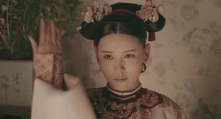 曾为好莱坞大片女主的她,杨幂扮丑给她演配角,今却沦落饰演丫鬟