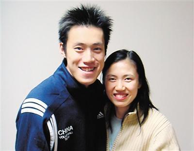 中国排坛,他俩的爱情故事凄美绝伦,却感人肺腑