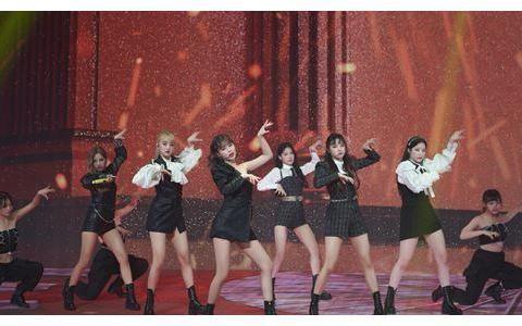 韩国人气女团,取消全球32个城市世界巡回演唱会,昨晚线上开唱