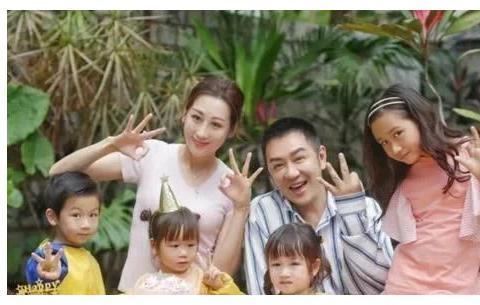 50岁陈浩民和女演员拍沐浴戏,坚决不用替身,让人敬佩