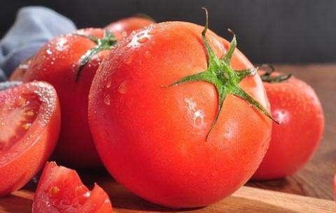 """西红柿""""套路""""你了解吗?老菜农透露:牢记""""3点"""",一挑一个准"""