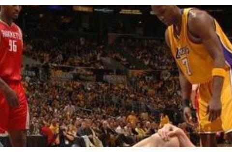 NBA六大让人泪目照片:韦德用香槟浇灌膝盖,罗斯梦回巅峰