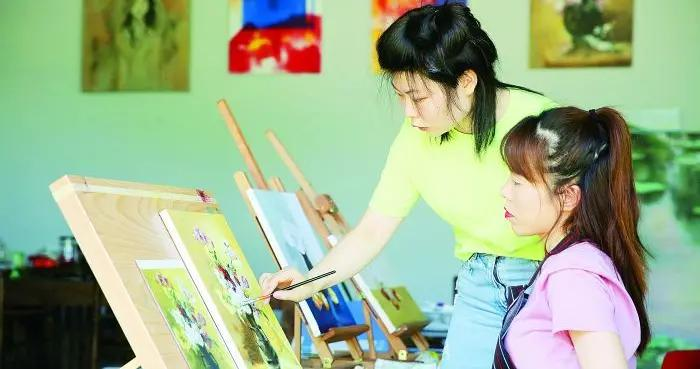 提升市民文艺素养 促进群众性文化活动开展
