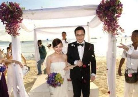 """""""给了你勇气""""的梁静茹,结束九年婚姻"""