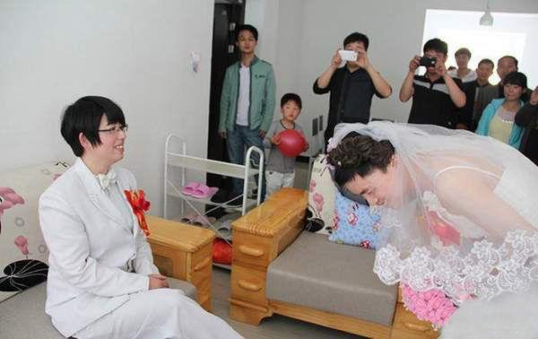 """""""新娘""""不是新娘,""""丈夫""""不是丈夫,一场奇特的婚礼"""