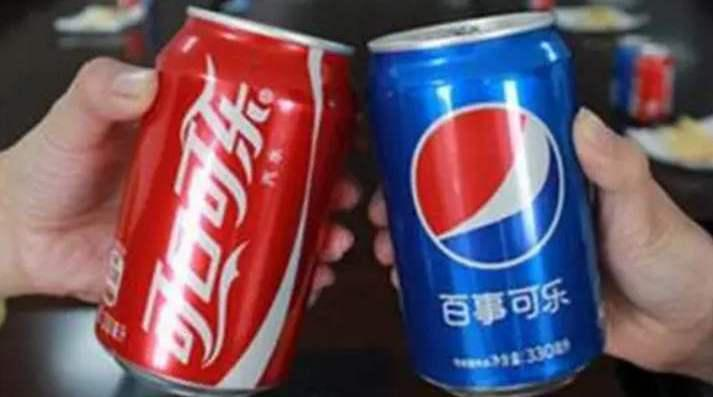 一个很火的纪录片《可乐战争》,百事可乐vs可口可乐……