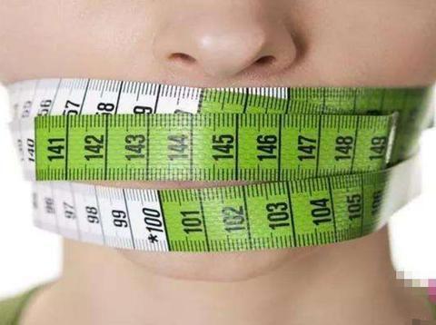 学会轻断食减肥法,让你不知不觉瘦下去!