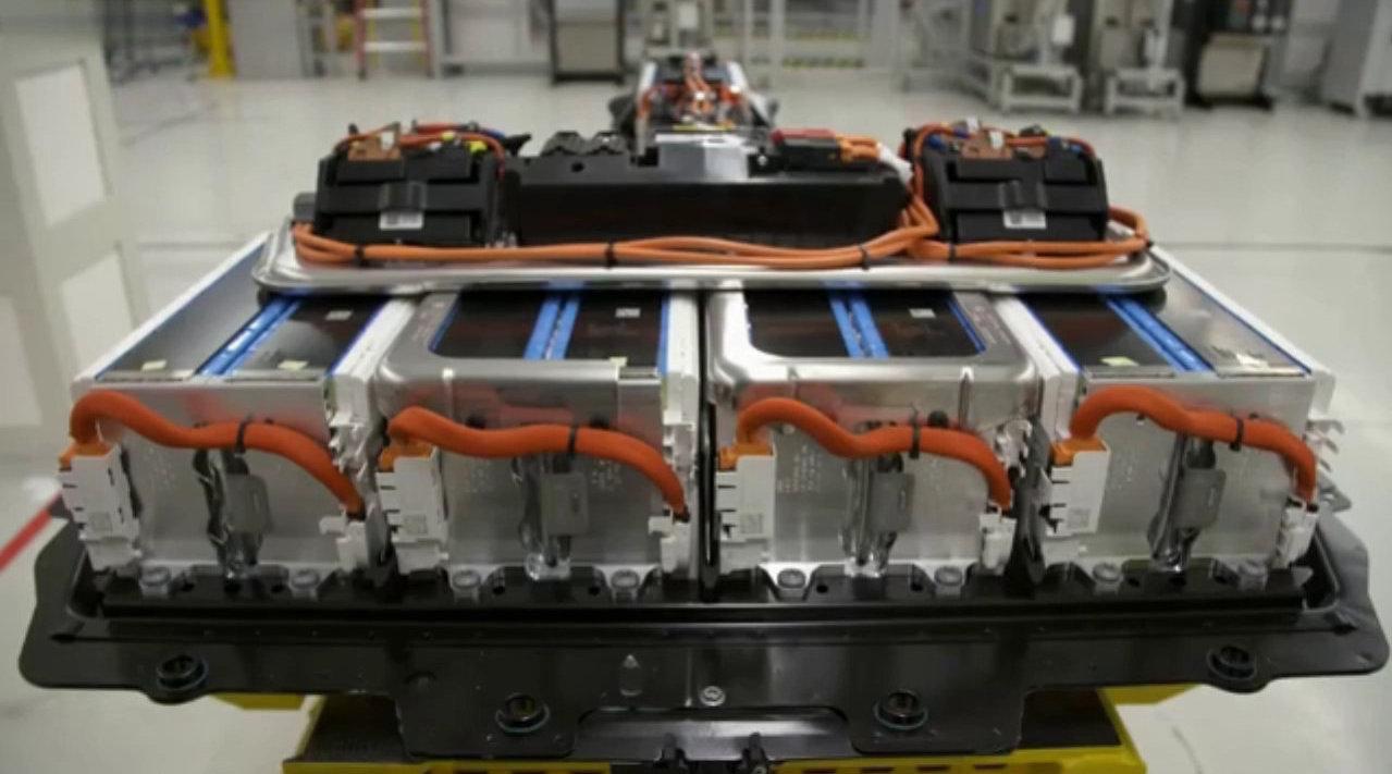 德国宝马工厂生产电动汽车的电池组件……