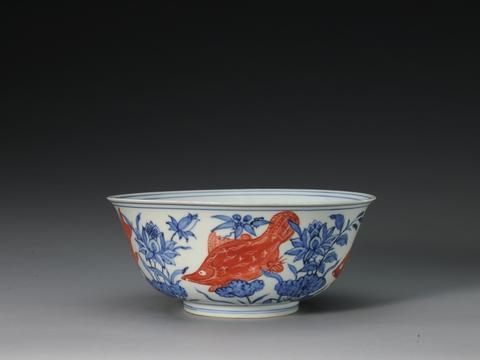 景德镇官窑:明初红彩与青花红彩、斗彩的相关性