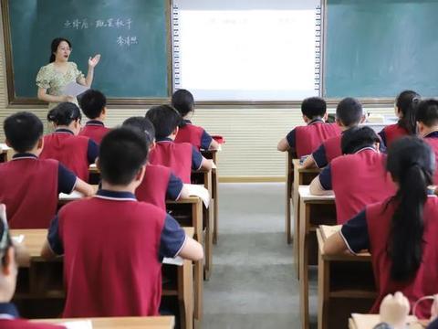 江苏省无锡市积余实验学校顺利通过十三五规划课题结题评估