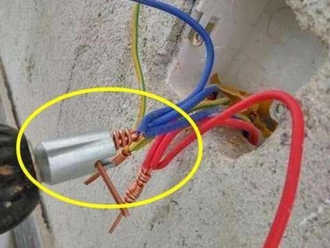 水电装修如果发现工人用胶合接线,别给钱,专业的都是这么做