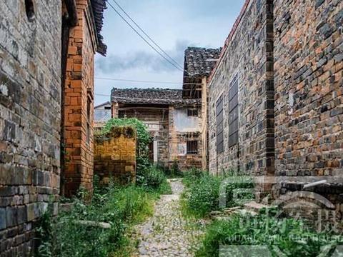 江西大余县杨梅古村,从明代留存至今的赣州古村落,历史古韵很浓