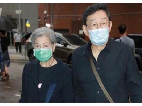 88岁生日快乐!85岁罗兰为胡枫庆祝生日,张学友黎明都是他干儿子