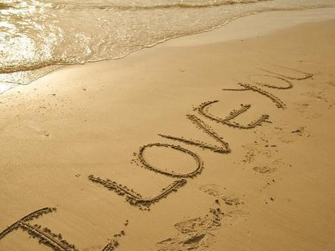 表达浓浓的爱与想念的句子,思念一个人的句子,写得真好