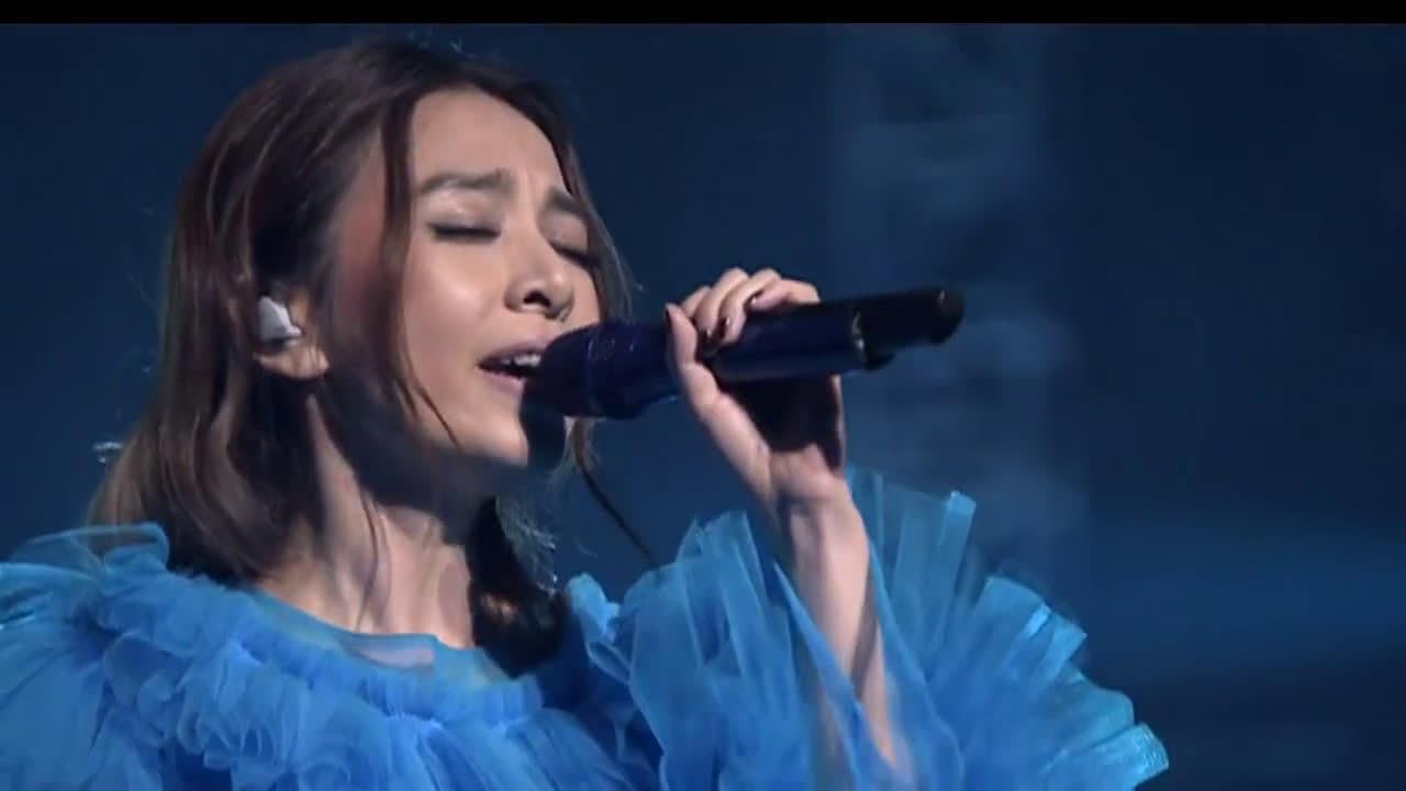 田馥甄《鱼仔》Live 田馥甄在演唱会上翻唱小队长卢广仲《鱼仔》