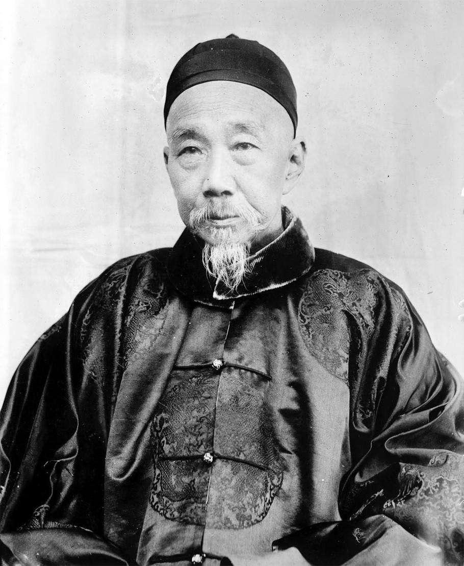 1900年,63岁的张之洞老来得子,非常高兴,没想到他后来当了汉奸