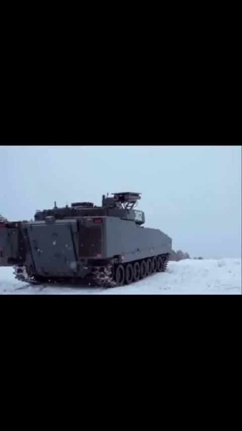 瑞典🇸🇪CV90 Mk4步兵战车发射长钉反坦克导弹……