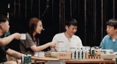 《向往4》黄磊做百香果水煮鱼,无滤镜下照片曝光,网友:打扰!