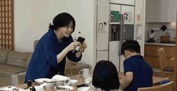 美女李英爱无意曝光草坪豪宅,真人生赢家!