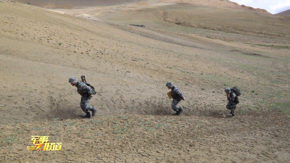 直击演训场海拔4600米 西藏军区某合成旅火力突击演练