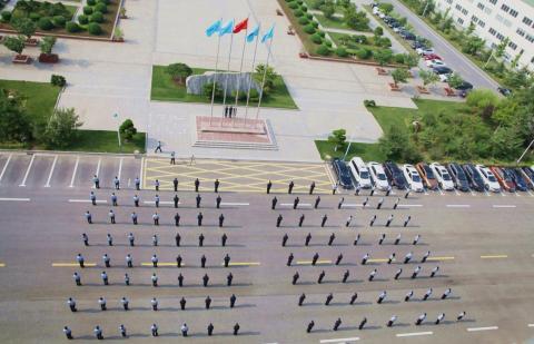 威高举行升国旗仪式庆祝建党99周年