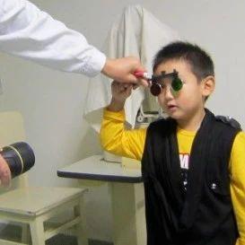 5岁男童近视千度!家长长点心吧!近期医院透露学生近视率飙升!全国摘眼镜工程,紧急救助广州500名孩子摘眼镜!