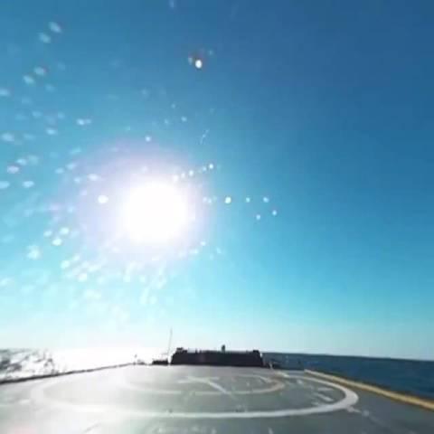 SpaceX的几乎每一次发射直播,猎鹰9号要在驳船上着陆的时候……