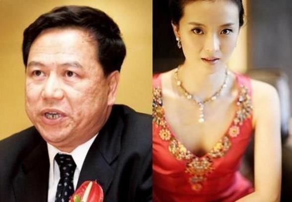 一入豪门深似海,看看赵薇和王艳两个人的家庭地位和差距就知道了