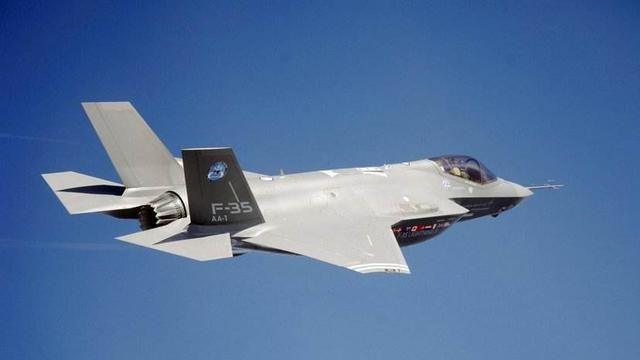 刀尖上跳舞!亚洲强国用S400锁定美军战机,F-22隐身神话破灭