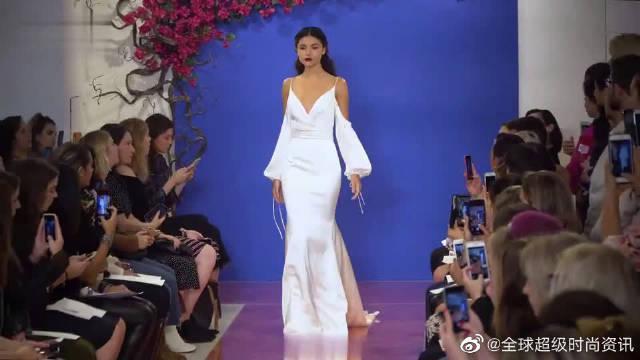 2020纽约时装周全新高端婚纱秀超模走秀第一部分……