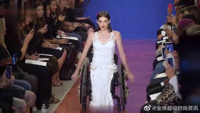 时尚T台秀:2020纽约时装周全新高端婚纱秀超模走秀第二部分……